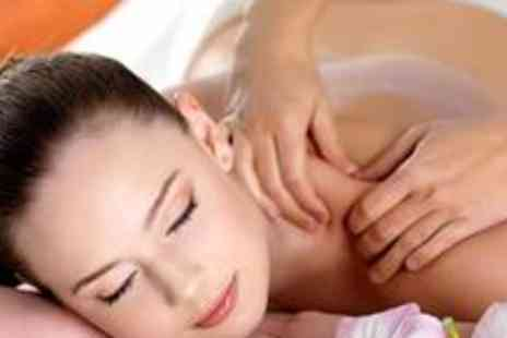 Beautography - Full body Swedish massage, a head massage and 30 minutes in the relaxation room - Save 70%