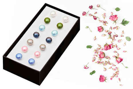 The Gemseller - Set of seven spring freshwater pearl earrings - Save 94%