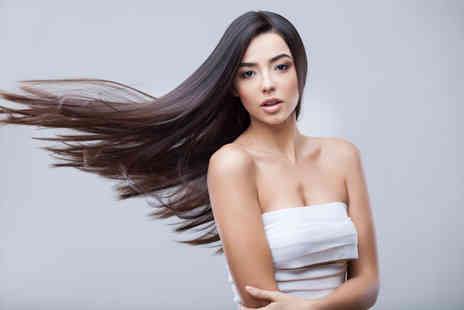 Claudias Hair - Cut and blow dry with half head foil highlights or full head colour tinting - Save 71%