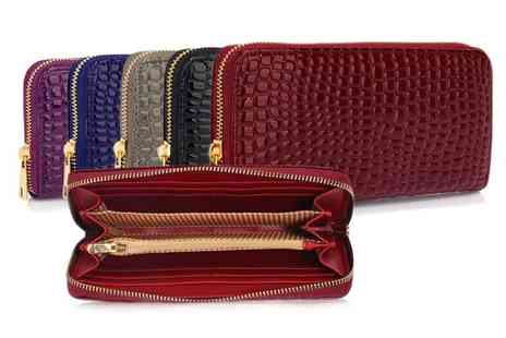 Pearl Info - Faux crocodile pattern purse choose from five colours - Save 73%