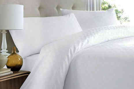 TLD Marketing - 10.5 or 13.5 tog duvet or 15 tog duvet in a choice of single, double or king size - Save 70%