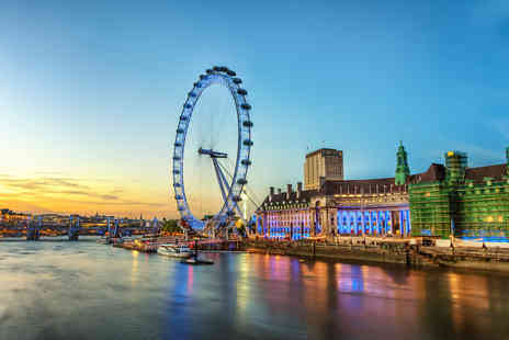 OMGhotels - Overnight London stay with breakfast, London Eye experience and River Cruise - Save 63%