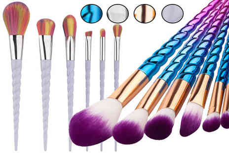 Bazaar me - 7 Piece Make Up Brush Set in 4 Colours - Save 75%