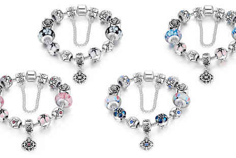 Jewleo - Exquisite Glass Bead Bracelet in 4 Colours - Save 88%