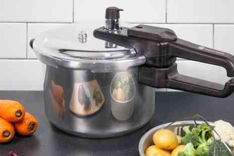 Groupon Goods Global GmbH - Russell Hobbs 7l Aluminium Pressure Cooker - Save 72%