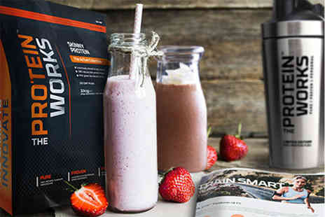 CLASS DELTA LTD t/a The Protein Works - 1kg Protein Works Skinny Protein & shaker or  a premium bundle with fitness guide - Save 44%