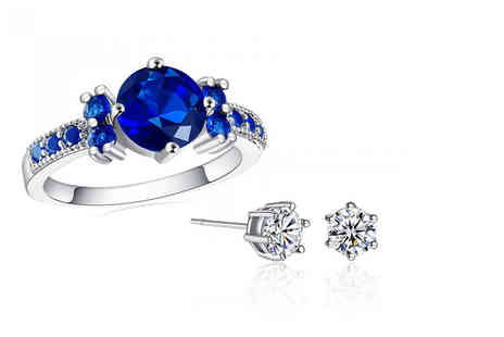 Your Ideal Gift - Blue ring and pair of solitaire earrings made with crystals - Save 94%