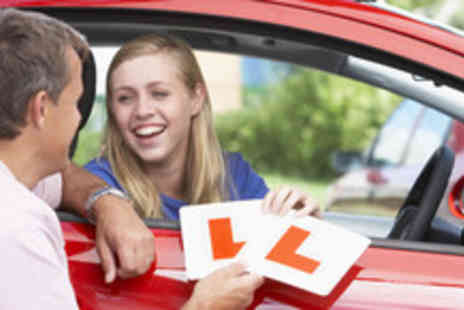 In The Right Lane - Four 1 hour driving lessons in a manual car with - Save 80%