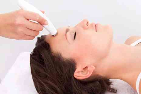 Hectors Global Hair - Three microdermabrasion treatments - Save 77%