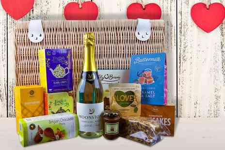 First4Hampers - Deluxe Mothers Day hamper including a selection of teas, shortbread, chocolate and more - Save 47%