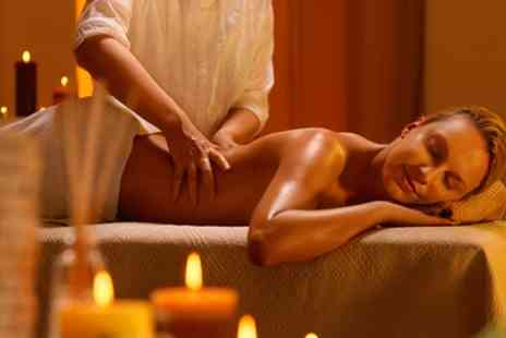 London Beauty Clinic - Choice of 30 or 60 Minute Massage - Save 60%