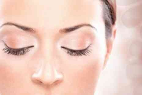 Jays Brow Bar - Eyebrow Threading Plus Indian Head Massage - Save 64%
