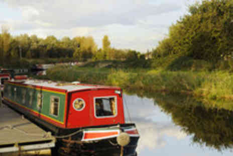Saisons - Private narrow boat hire for up to 12 people with Saisons - Save 56%