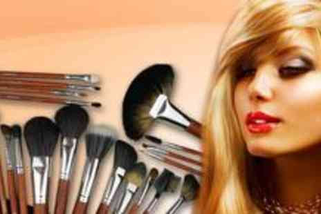 Louise Walsh International - 24-piece real hair make up brush set - Save 84%