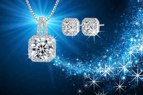 Solo Act - Square crystal pendant necklace and matching earrings - Save 76%