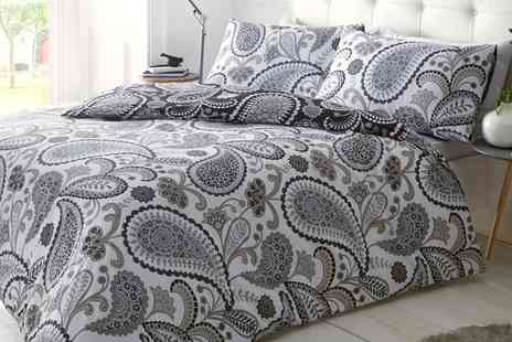 Groupon Goods Global GmbH - Paisley Duvet Cover Set in Choice of Size and Design - Save 63%