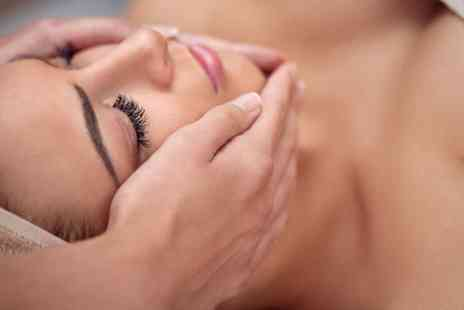 Bhavs Beauty - Indian head massage - Save 30%