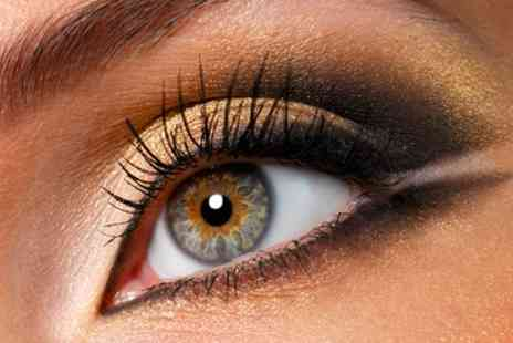 Cleopatras Beauty Clinic - Full Set of Individual Eyelash Extensions with Optional Eyelash Tint - Save 61%