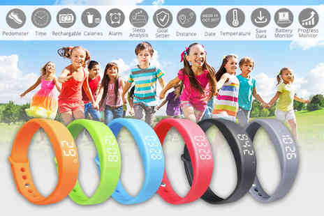Ugoagogo - Kids fitness tracker choose from six colours - Save 78%