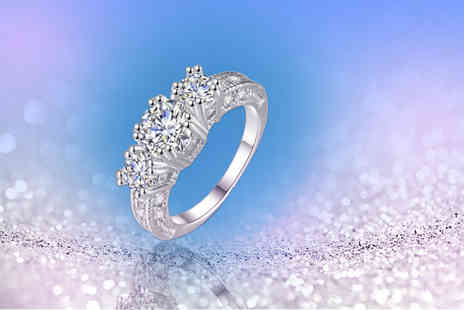 Solo Act - Cubic zirconia trilogy ring - Save 85%