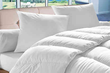 Home Furnishings Company - Single 10.5 spring Or summer quilt and four pillows - Save 73%