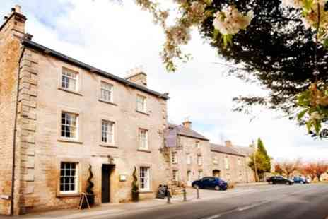 The Castle Inn Hornby - Lancashire Inn Stay with Meals & Wine - Save 37%