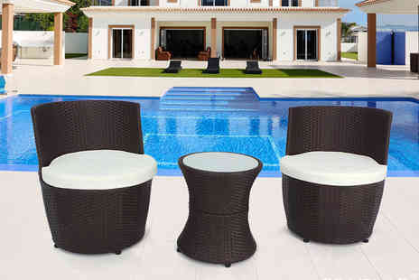 EveMotion GmbH - Three piece vase torpedo rattan set select from three colours - Save 68%