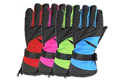 Groupon Goods Global GmbH - Winter Ski Or Snowboard Thermal Waterproof Gloves - Save 0%