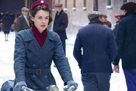 Buyagift - Guided Call the Midwife walking tour of the East End for two - Save 0%