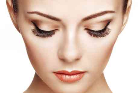 Estyperfect Beauty World - Full Set of Semi Permanent Eyelash Extensions - Save 31%
