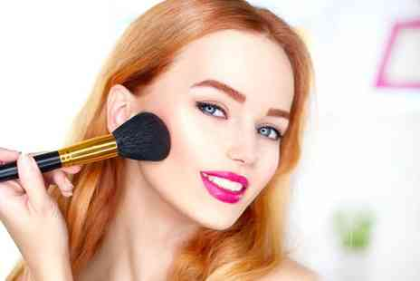 London Hair & Beauty Training - VTCT Level 2 NVQ Award in Make Up - Save 53%