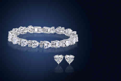 Fakurma - Heart tennis bracelet and earrings set - Save 91%