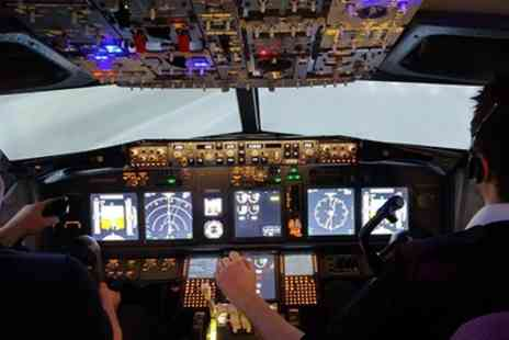 Virtual Flight Experience - 30 or 60 Minute Boeing 737 Flight Simulator Experience - Save 57%