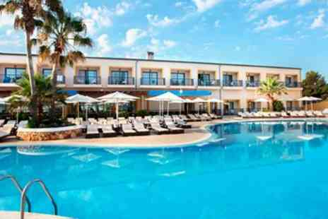 2bookaholiday - Four Star All Inclusive Holiday - Save 0%
