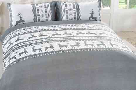 Groupon Goods Global GmbH - Elizabeth Jayne Stag Duvet Cover Set - Save 71%