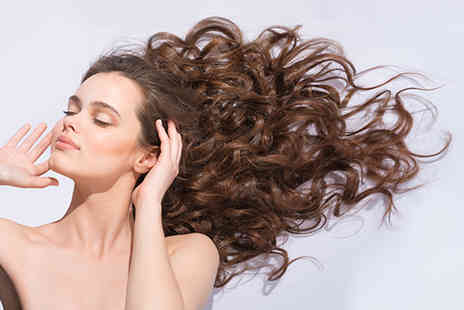 Hair Loss Wokingham - 90 minute hair loss consultation with specialist Simone Thomas - Save 81%