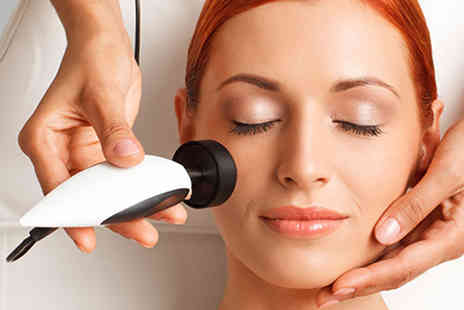 Vivo Clinic - Facelift Treatment - Save 87%