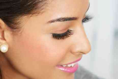 Unique L Beauty Room - Individual Eyelash Extensions with Optional Refill Appointment - Save 0%