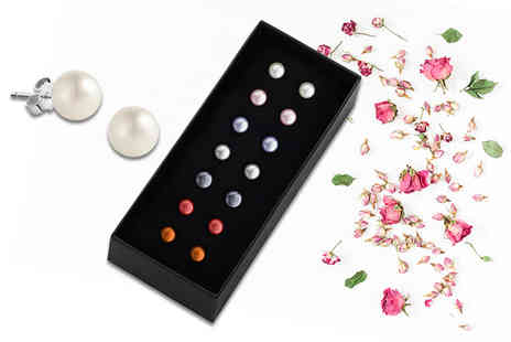 The Gemseller - Seven pairs of freshwater pearls get one for each day of the week - Save 94%