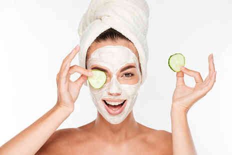 Crown Beauty - Deep cleansing facial with exfoliation steam, extraction and face mask - Save 68%