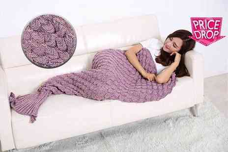 Cheeky Box - An adults knitted mermaid blanket choose from three colours - Save 82%