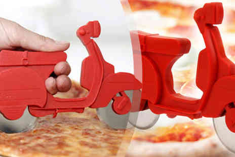 Toy Meets World - Vespa pizza cutter - Save 63%