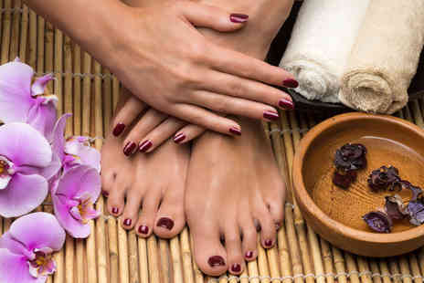 House of Glamour - Shellac manicure & pedicure - Save 37%