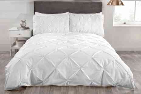 Groupon Goods Global GmbH - Rapport Home Balmoral Pintuck Duvet Cover Set - Save 63%