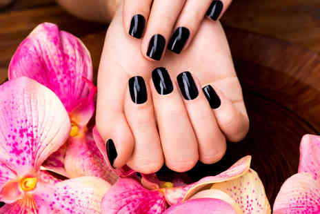 Define hair and beauty - Gellish hands and nails treatment - Save 44%