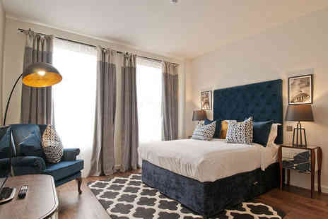 Go Native Hyde Park - Four Star Stylish One Bedroom Apartments Stay For Two in Leafy London - Save 71%