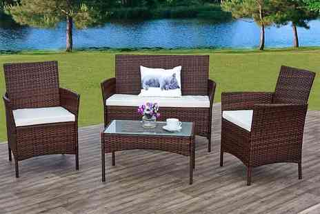DUREST BEDS - Four piece rattan set - Save 76%