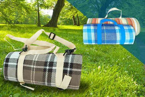 ViVo Technologies - Extra large waterproof picnic rug choose from three styles - Save 75%