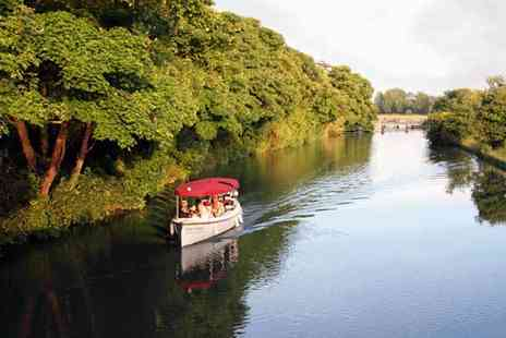 Buyagift - Spirit of Oxford family cruise follow the route which inspired Lewis Carrolls Alice in Wonderland and soak up the Oxfordshire landscape - Save 0%