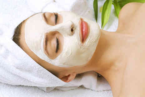 Lulus Beauty Glasgow - 30 minute facial with a hand and arm massage - Save 64%